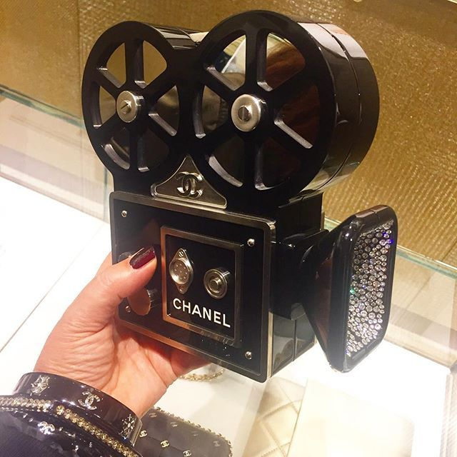 - Hello Chanel lovers ! Today I'm doing my cinema ! #chanel #catherineb