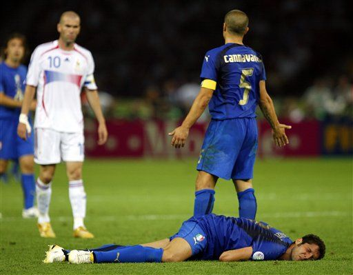 The Most Famous Moment In The World Cup History Q8 Blend Italy National Football Team Italian Soccer Team Legends Football