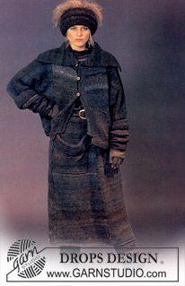 DROPS jakke og skjørt i Musarde- Jakke i Royal - Fingervanter i Lhasa - Pannebånd, pulsvarmere, leggvarmere og votter i Royal/Flores. ~ DROPS Design