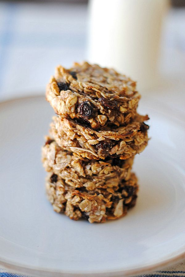 Eat Yourself Skinny!: Guilt-Free Oatmeal Raisin Cookies