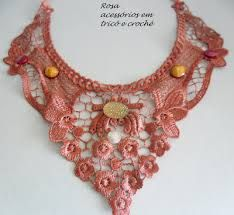 Collar in lace