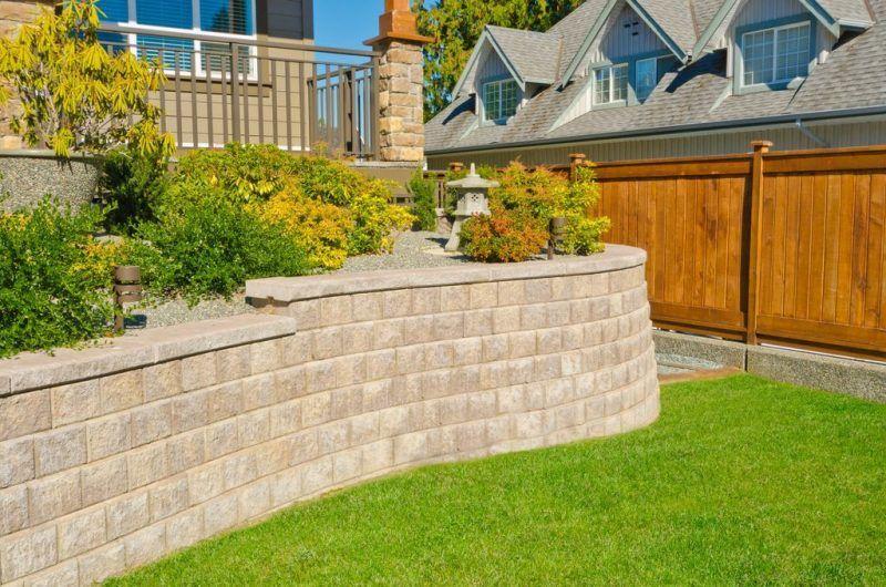 Gartenmauer Aus Ziegelsteinen Selber Bauen Anleitung Diy Garten Zenideen Gartenmauer Ziegelsteine Gartenmauern