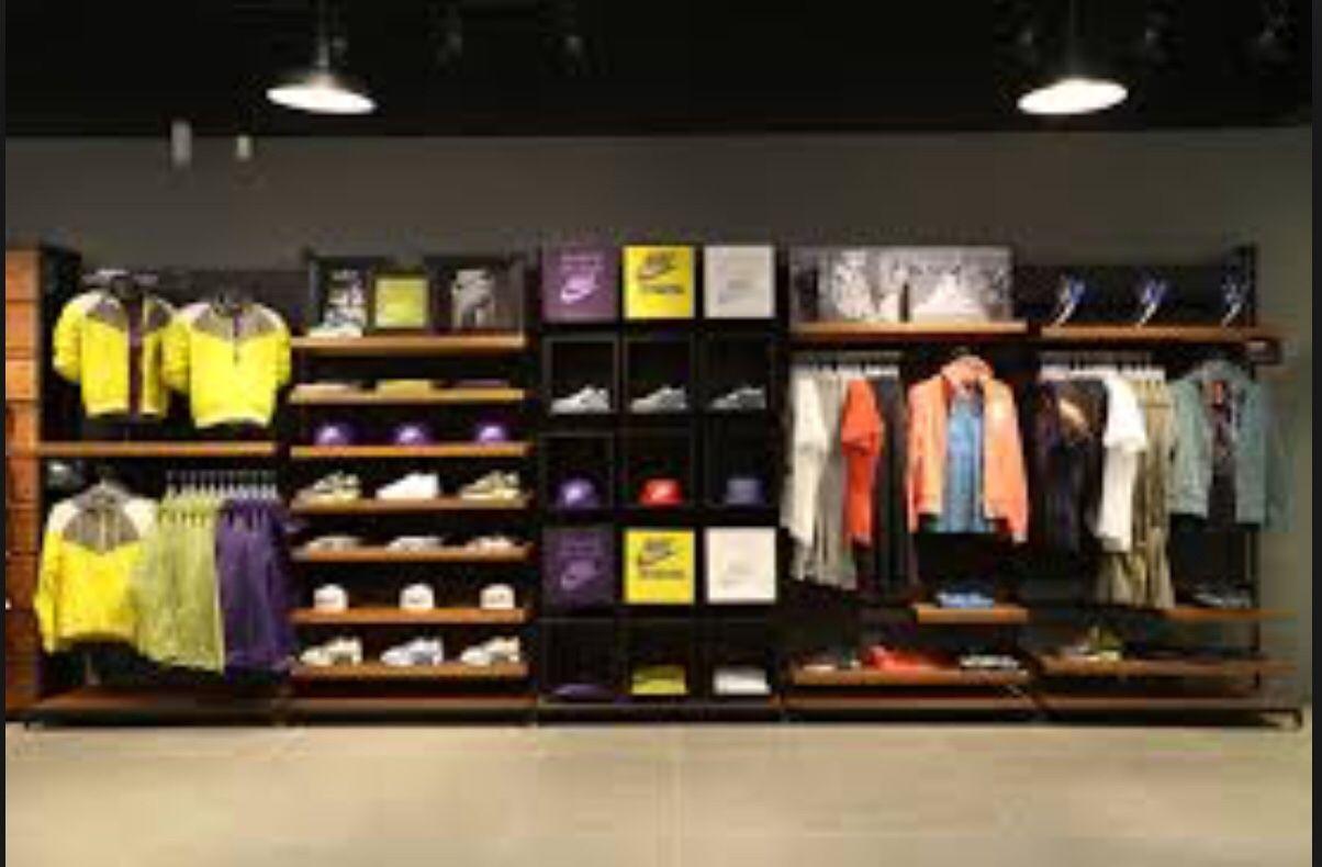 Tienda De Deporte En 2019 Diseño Interior De Tienda