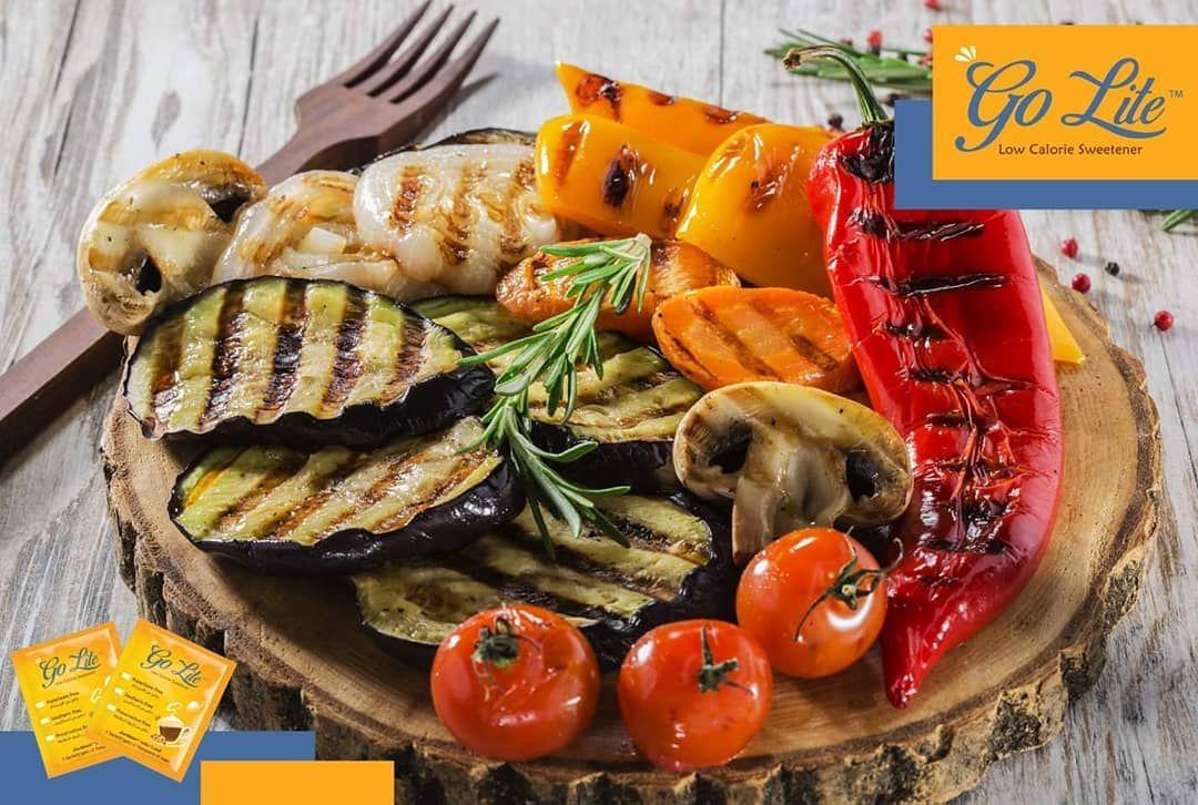 أفضل أنواع الفواكه والخضار لمرضى السكري الخضار الطازجة وتؤكل نيئة أو مسلوقة أو مشوية الخضروات ال Grilled Vegetables Grilled Vegetable Recipes Food And Drink