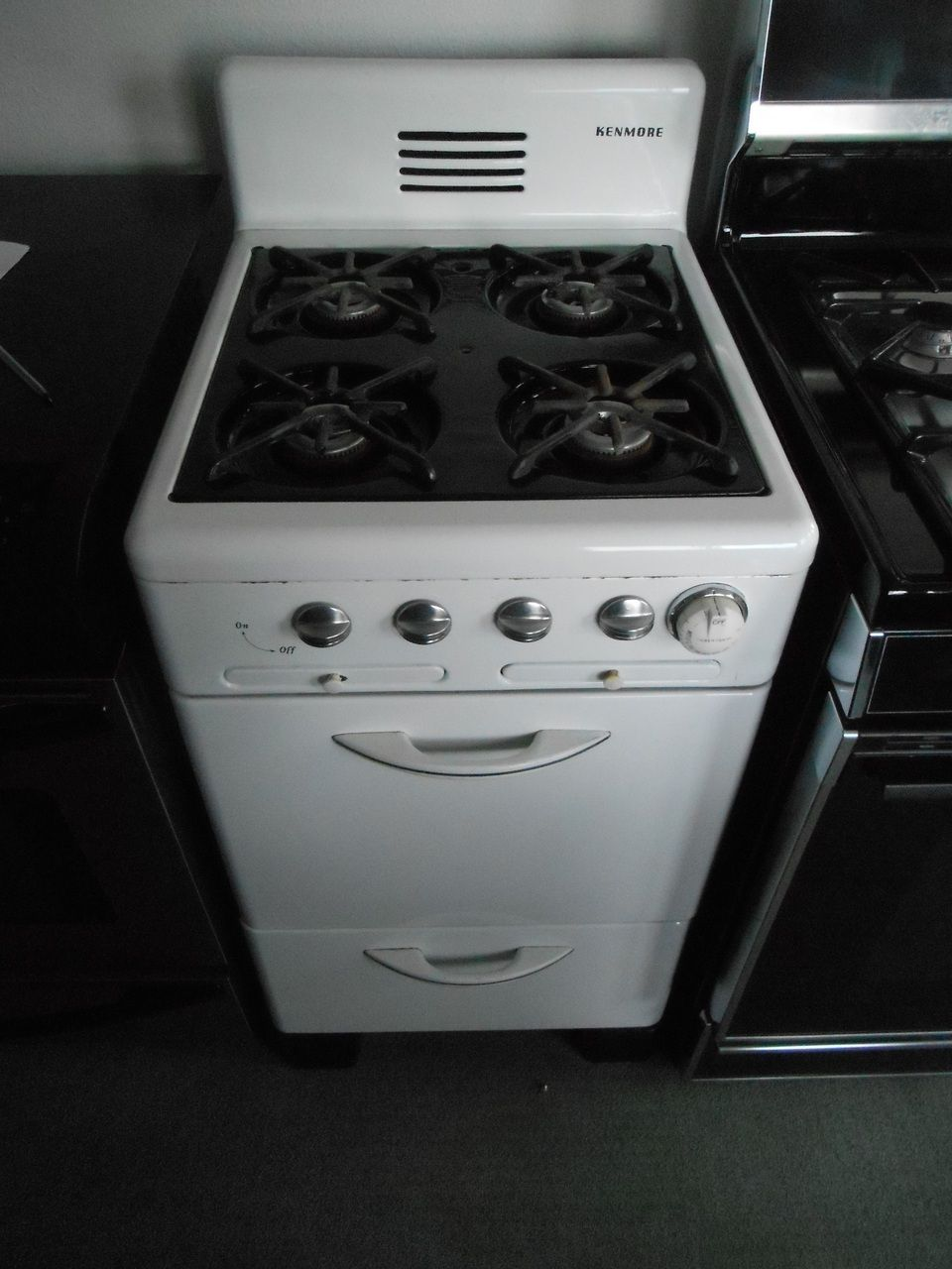 Appliance City Kenmore Vintage 20 Inch Gas Range 4