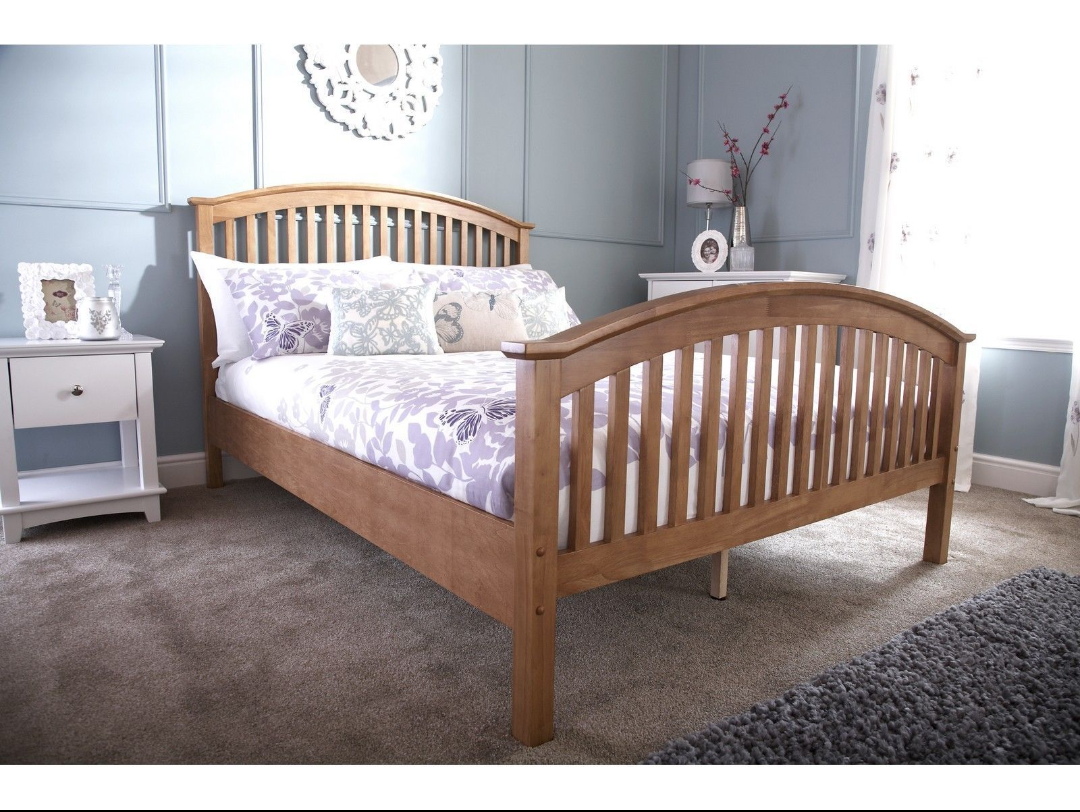 Curved wooden oak vaneer high end bed fees available in 4
