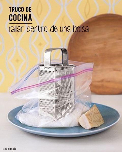 Truco de cocina rallar dentro de una bolsa de tan f cil for Lista de utiles de cocina