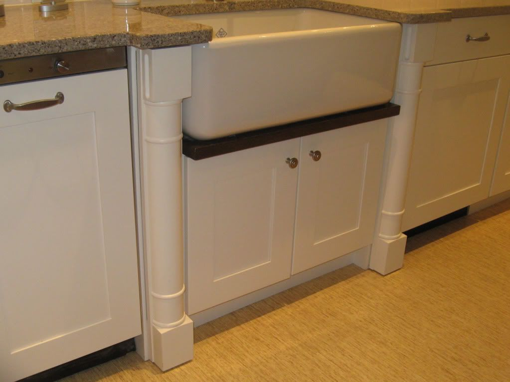Bumped Out Farmhouse Sink With Drip Rail And Chair Leg Trim Farmhouse Sink Farm Sink Shaws Sinks