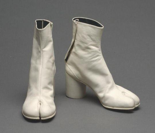 5119eaf7439 1989 - Maison Martin Margiela, tabi heels | 80's Millennials ...