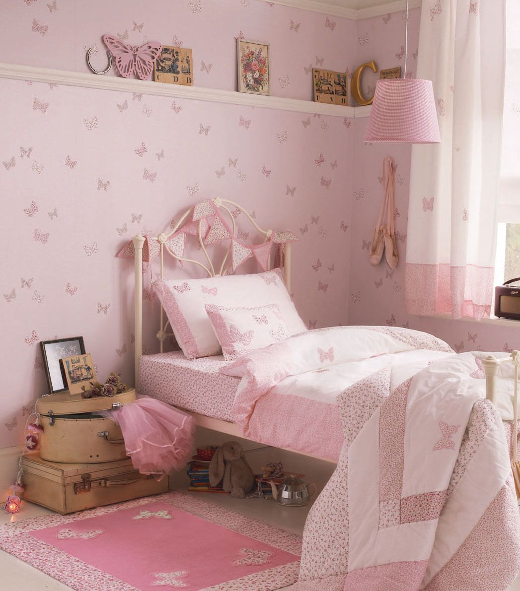 Dream girls room with laura ashley bella butterfly for Girls bedroom wallpaper ideas