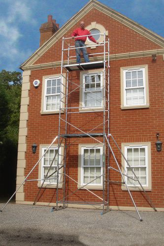 Our latest #DIY Aluminium Scaffold Tower is strong AND lightweight, check out these other great features...