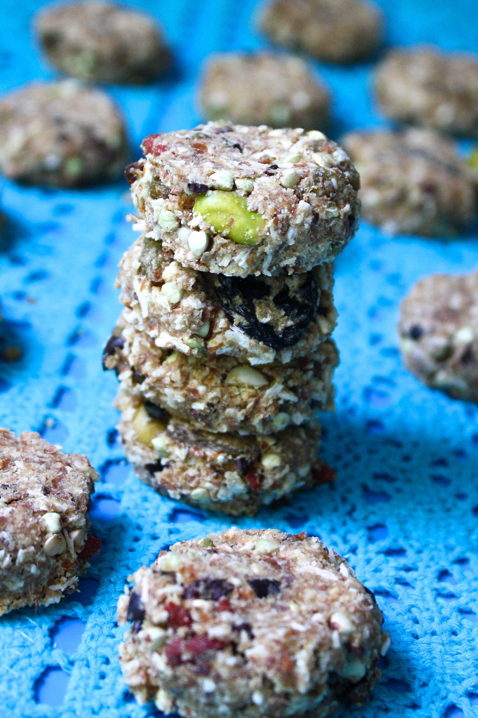 Raw superfood breakfast cookies. Great way to use up leftover almond pulp! #vegan #rawfood