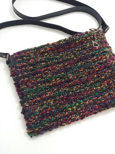 Bolsa com alça tranversal em acrílico e algodão