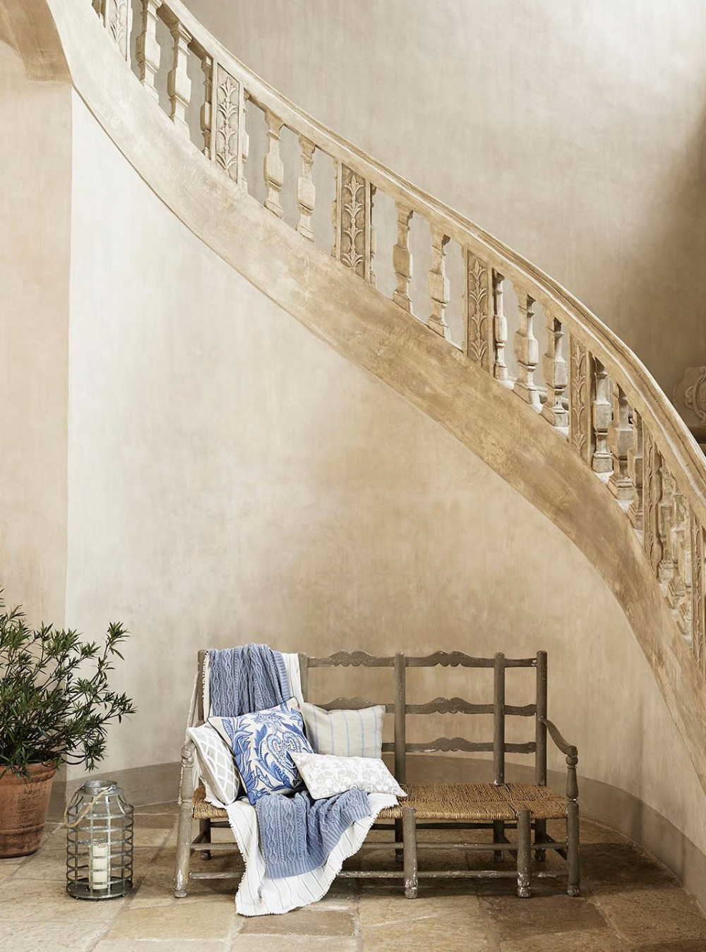 Interior Design Styles: 8 Popular Types Explained - Lazy Loft | Shabby chic  entryway, Shabby chic hallway, Interior design styles