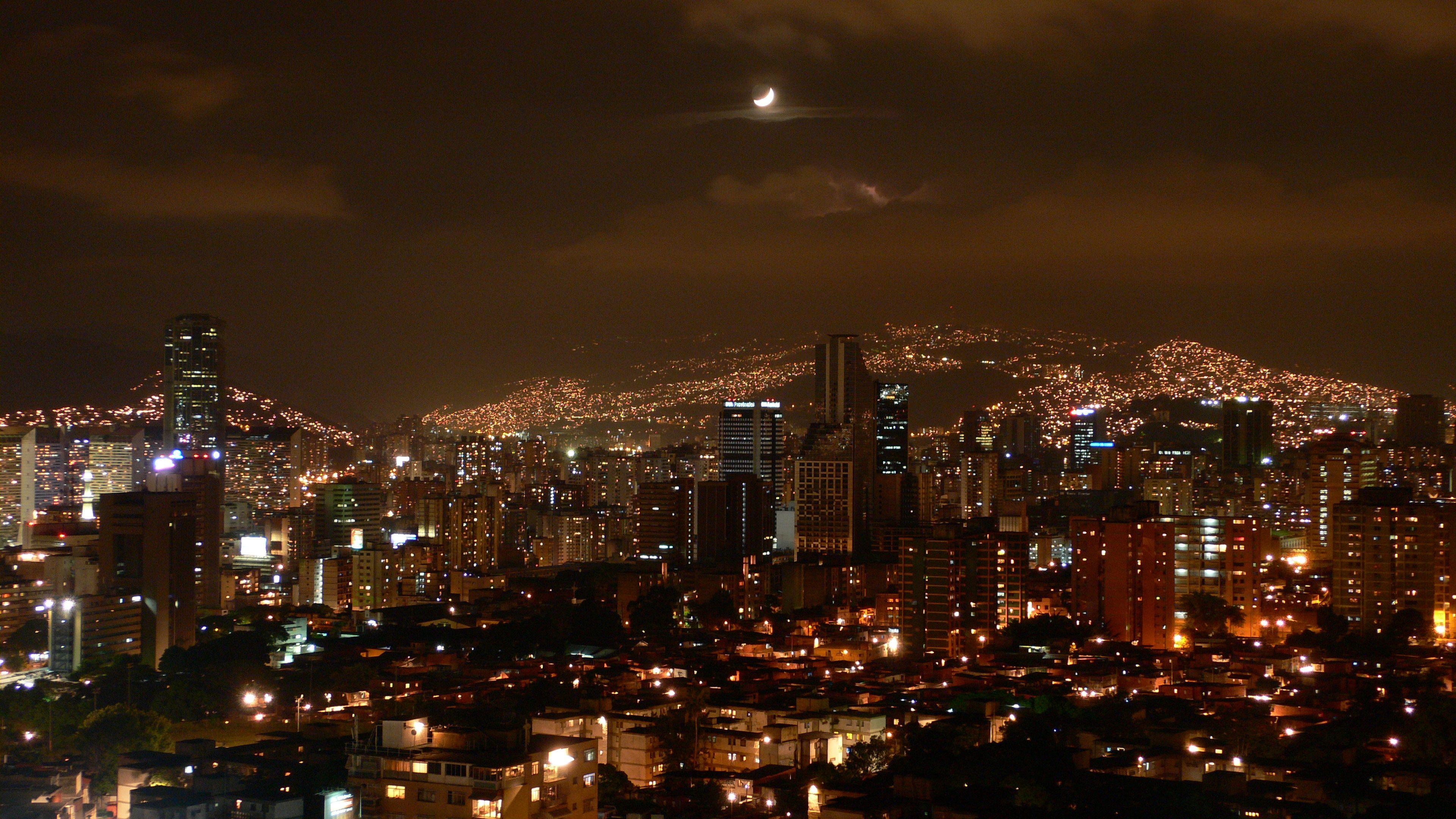 Caracas nocturna ! Venezuela Caracas-at-night.jpg (3840×2160 ...