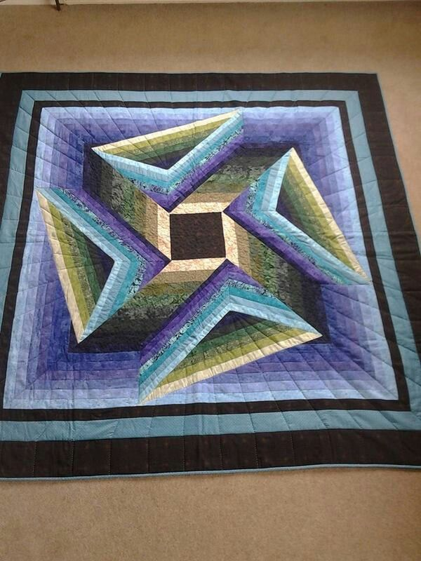 """""""Stony Creek"""" pattern by Jinny Beyer.  Quilt made by Chris Diebel."""