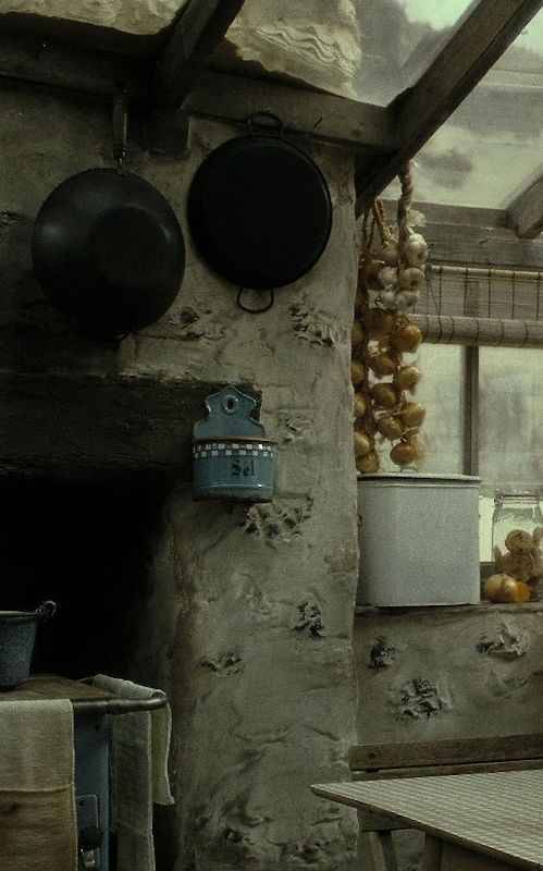 Shell Cottage Interior Detail Screen Shots Of Shell Cottage From Harry Potter And The Deathly Hallows The Worn Patina Cottage Interiors Witch House Cottage