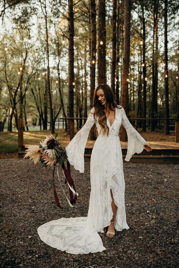 Boho Vintage Tennessee Wedding at Hiwassee River Weddings | Junebug Weddings 2
