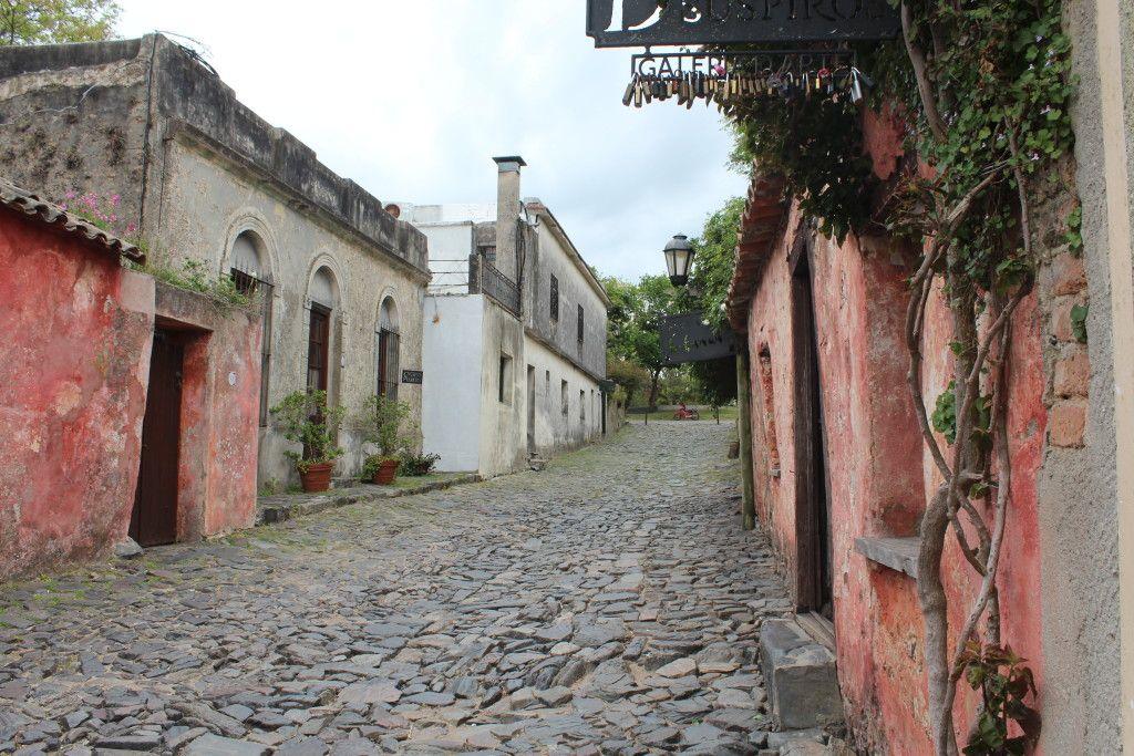Calle de los suspiros, em Colonia del sacramento.