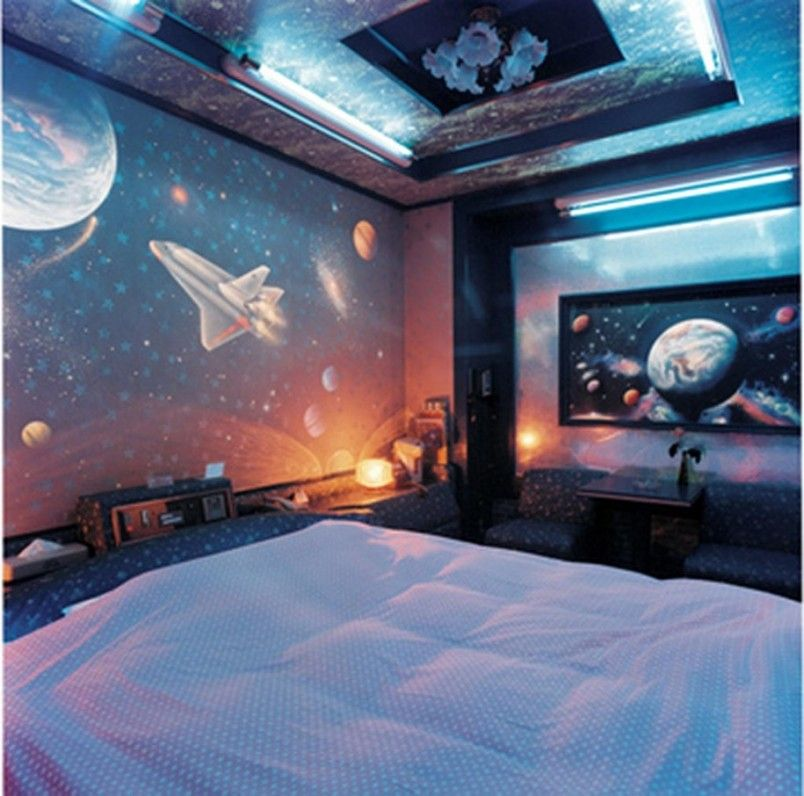 Fantastic Futuristic Aerospace Kids Bedroom Theme And Decoration With Beautiful Candelier And Ceiling Cool Kids Bedrooms Space Themed Bedroom Boys Room Design