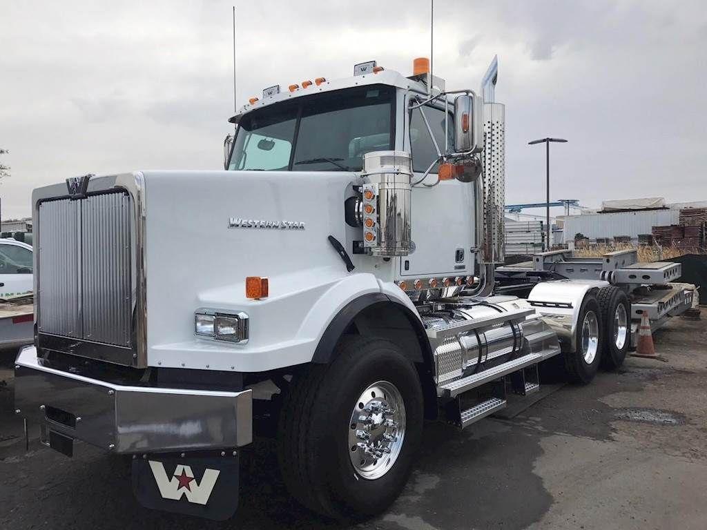 2019 Western Star 4900sb Tandem Axle Day Cab Truck Detroit Dd16 560hp 18 Spd Western Star Trucks Semi Trucks For Sale Trucks