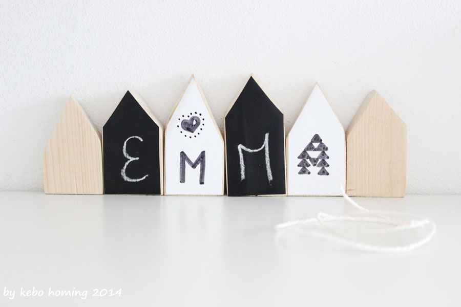 Häuschengeschenk aus Holz- und Folienresten / Little house present made from leftover wood and sheets / Upcycling