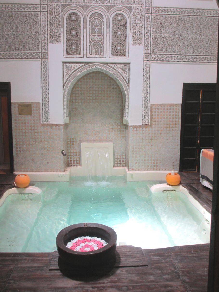 Épinglé par afef bg sur deco spa | Salle de bain jacuzzi ...