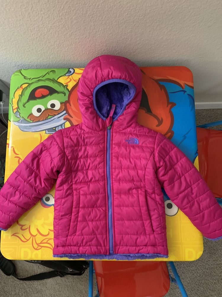e8c1ec87a863 The North Face Girls Reversible Jacket Size 3T Pink   Purple ...