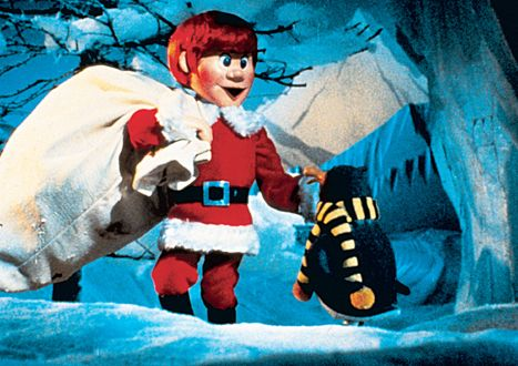 santa claus santa claus is coming to town penguin kris kringle claymation christmas movies - Classic Animated Christmas Movies