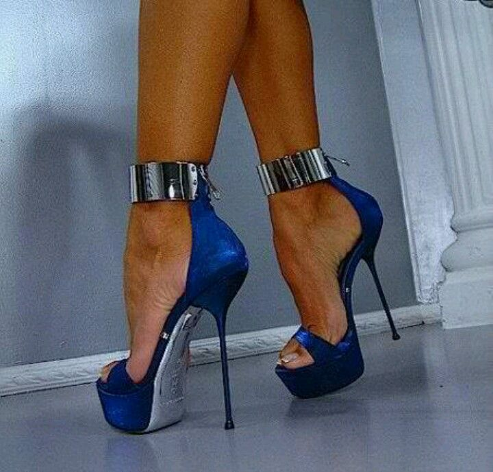 High heels fetish pics couldn't