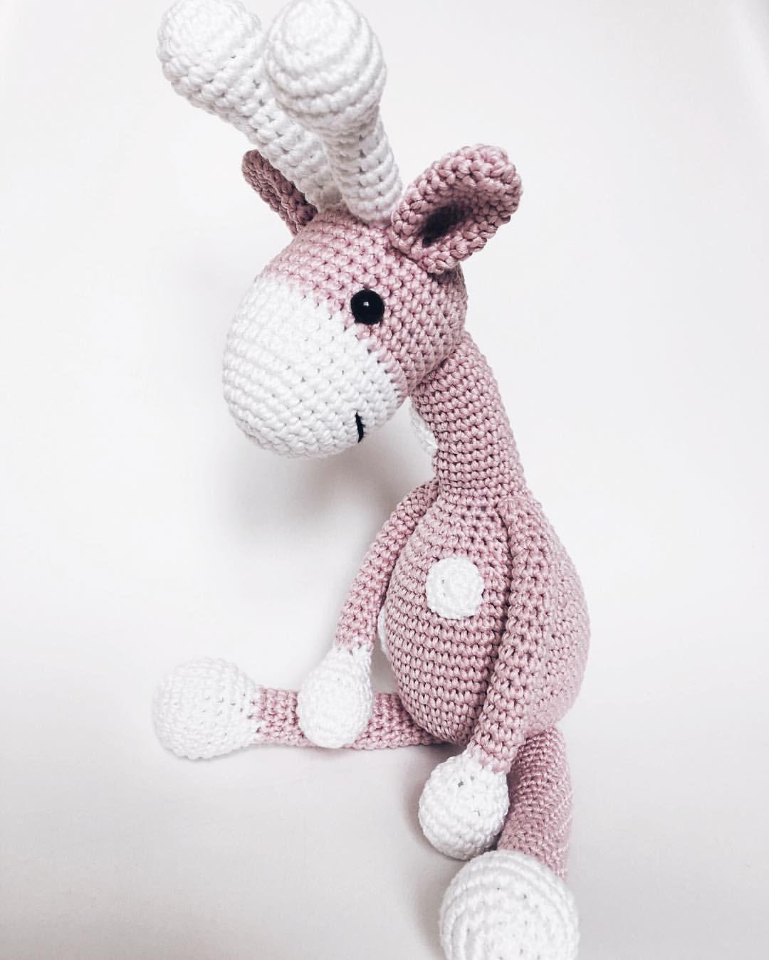 Crochet giraffe in baby pink by Katiu | crochet toys | Pinterest