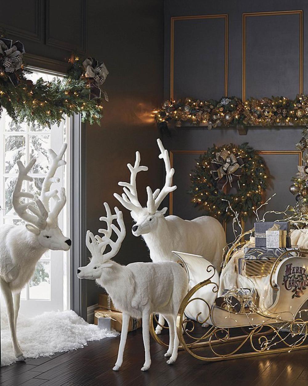 Hansa Toys Usa White Mechanical Reindeer Christmas Interiors Reindeer Decorations White Christmas Decor