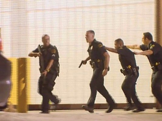 Multiple Snipers Kill 4 Police Officers Wound Several In Dallas Dallas Police Dallas Police Officers Downtown Dallas