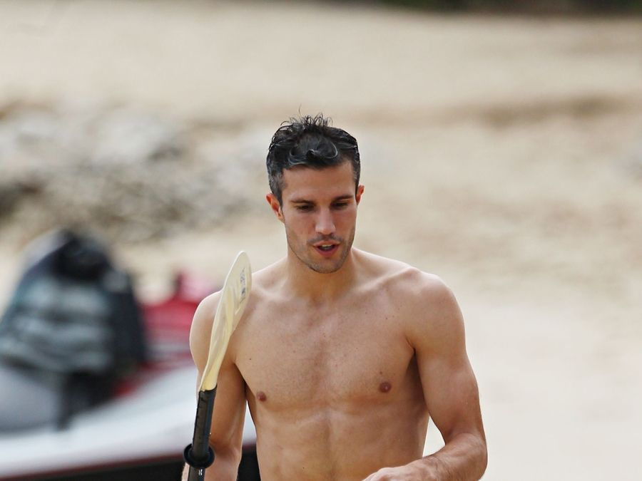 Shirtless soccer stud robin van persie shows off his body in shirtless soccer stud robin van persie shows off his body in barbados voltagebd Choice Image