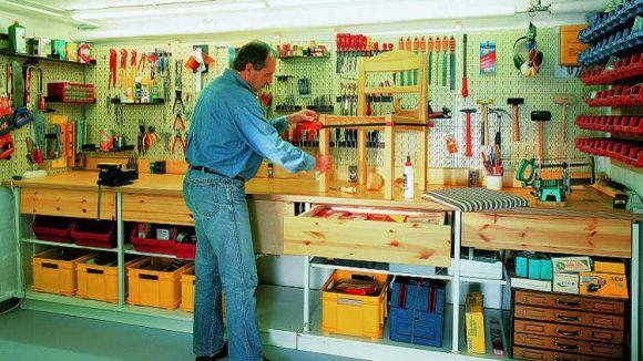 Ein Kellerraum wird zur Werkstatt ausgebaut