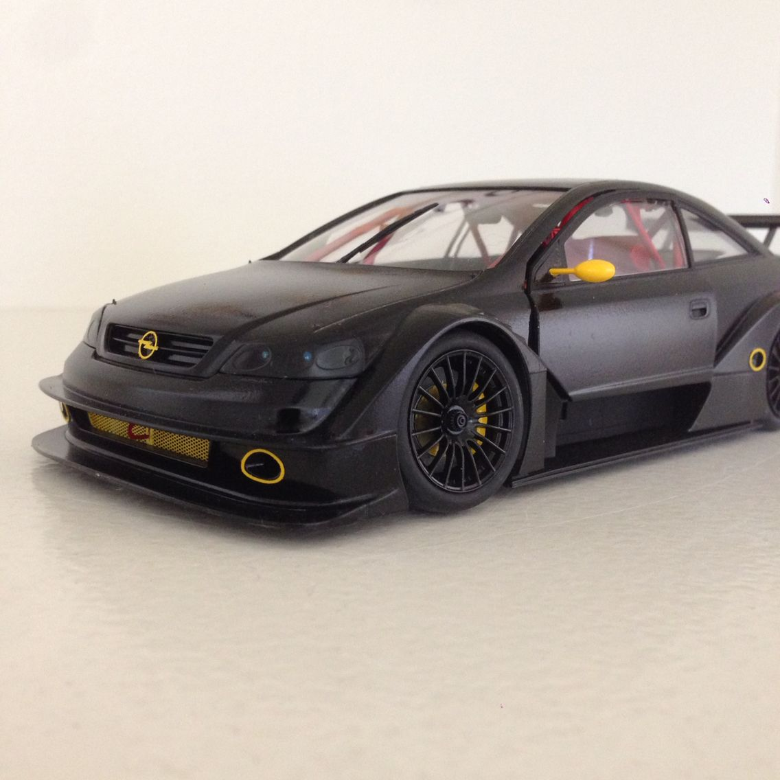 Opel Astra V8 Race Car As If It Was One Of My Personal Daily Drivers With Images Race Cars Racing Opel