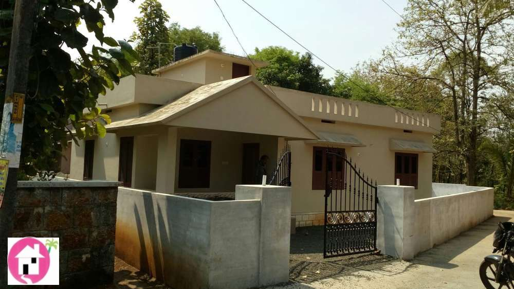 http://www.keralaproperty4u.com/index.php 29 lac home at valluvanad Price per ft2: 2,416 Rs Furnished: Yes Rooms: 2 rooms Square feet: 1,200 ft2 All requirements are near by Road,water access By d side of tar road 6 cent Bore well Compound wall  MUHAMMED  PH 8089 700 700 http://www.keralaproperty4u.com/index.php property ID 625