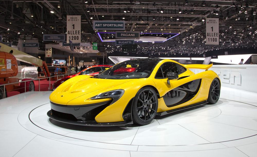 Like Plug In Hybrid This Fantastic Car Can Travel In Electric Mode About 10 Km And The Average Consumption In Combined Cycle Is Mclaren P1 Mclaren Sport Cars