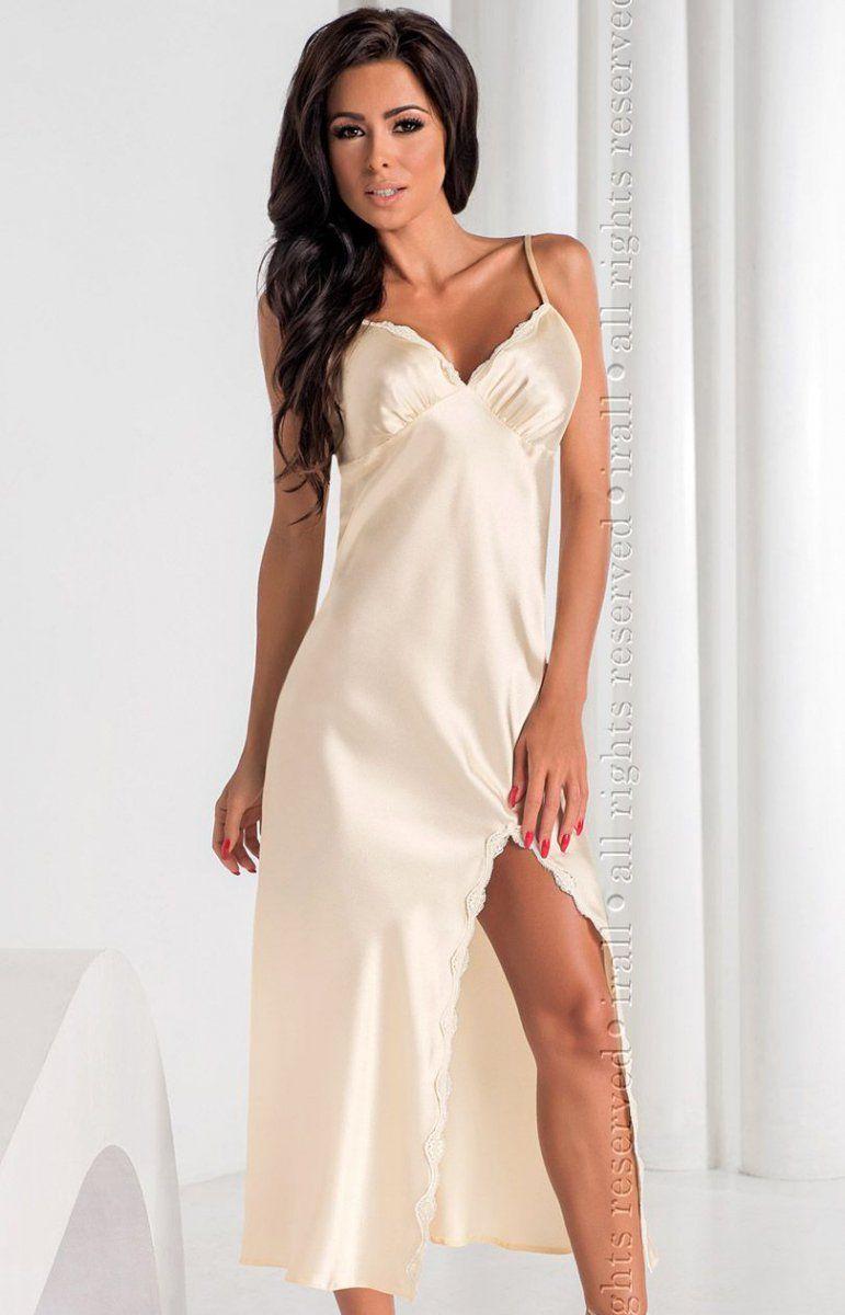ce322f1838bf46 Irall Arabella koszula nocna Przepiękna długa koszula nocna została  wykonana z najwyższej jakości włoskiej bawełny,