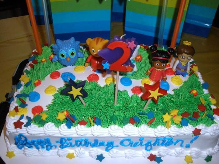 Daniel Tiger Cake Idea I Am Soo Making This One I Can Even Put