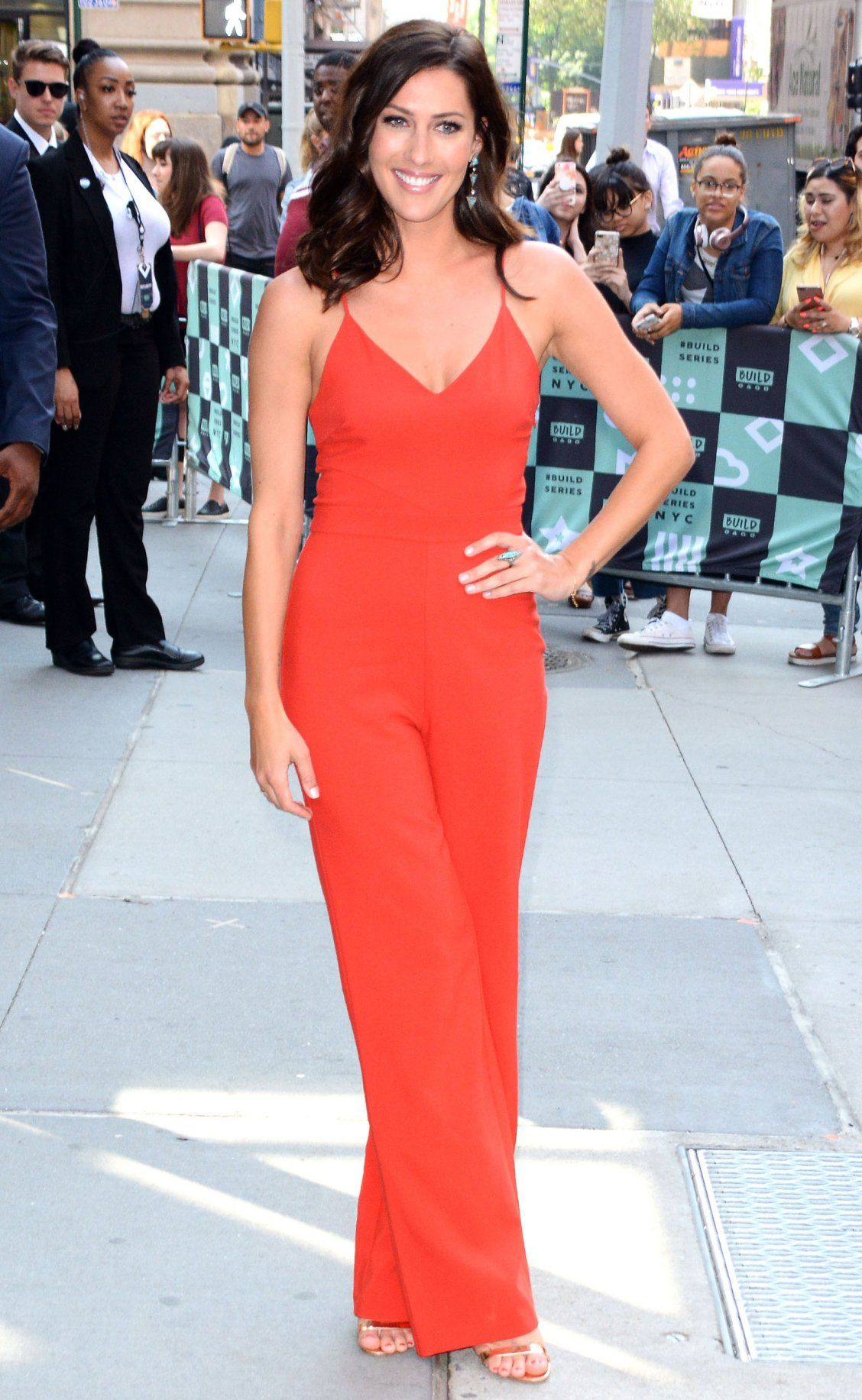 b07a04175fc4 Red jumpsuit - click through for more date outfit ideas from The Bachelorette  Becca Kufrin!