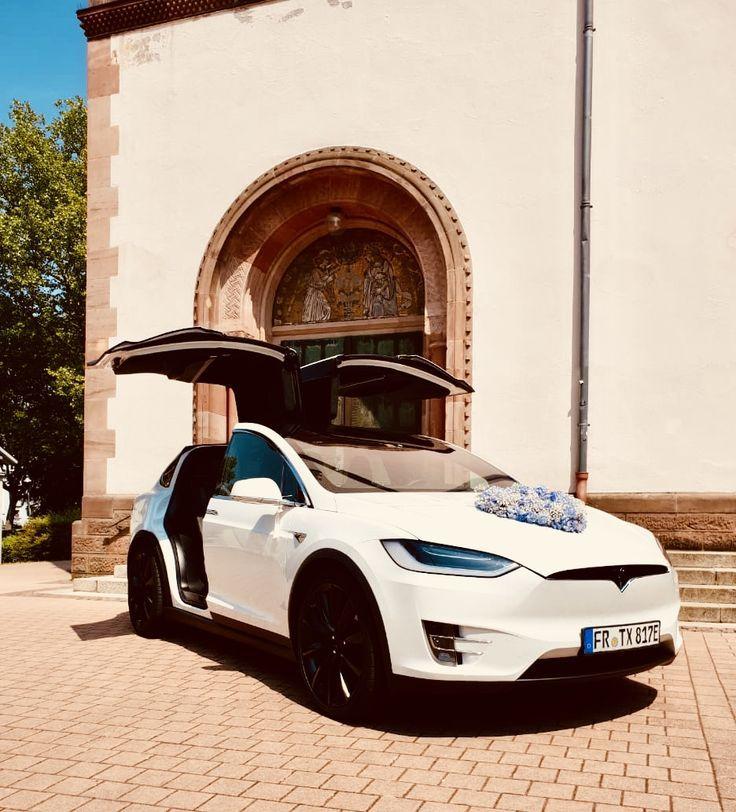 Miet Tesla Tesla Model X 90d In Perl Weiss Als Hochzeitsauto Mieten In 2020 Hochzeit Auto Hochzeitsauto Tesla
