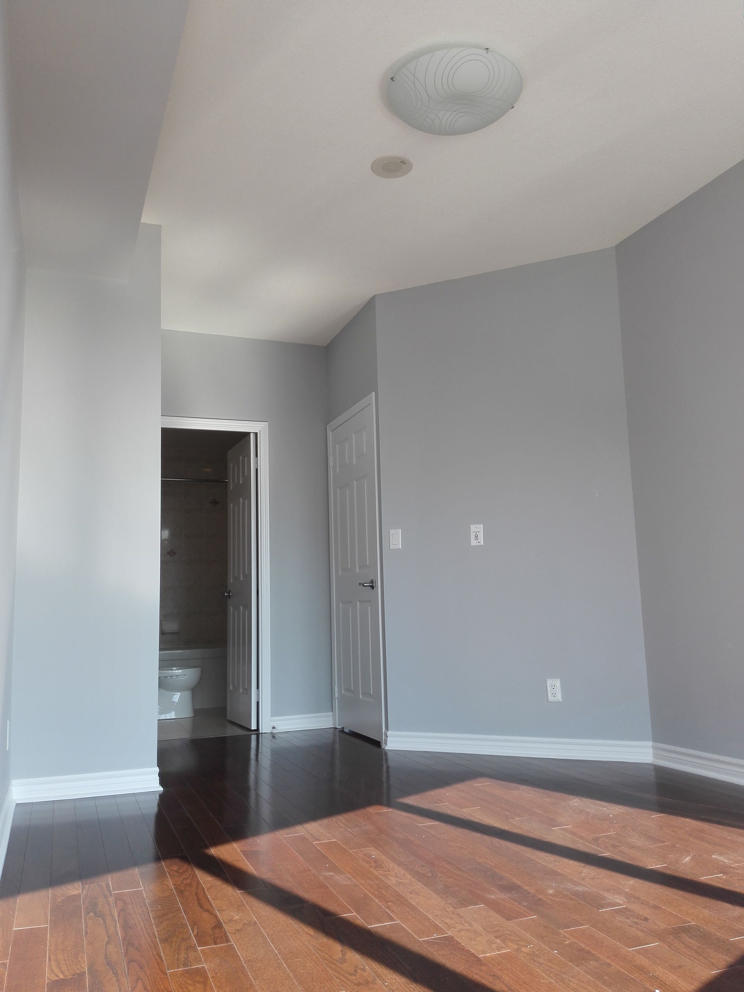 How much to paint a condo in Toronto House painting