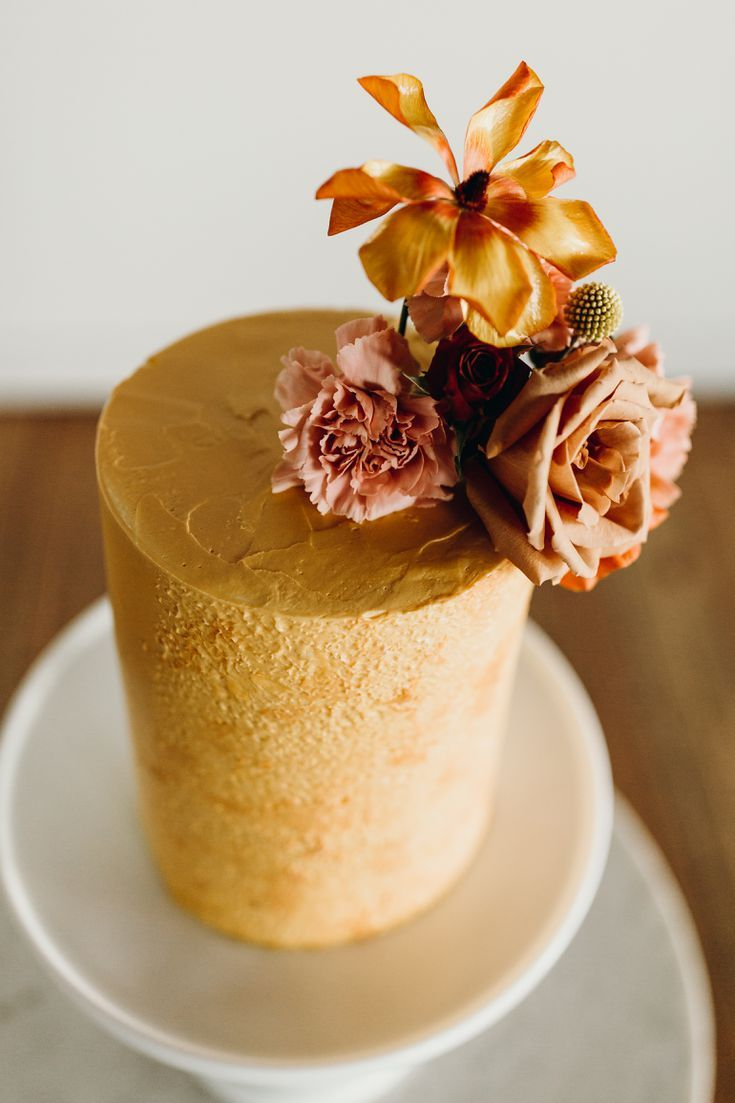 30 Wedding Cakes We Re Loving For Fall Wedding Season 30 wedding cakes we re loving for fall wedding season