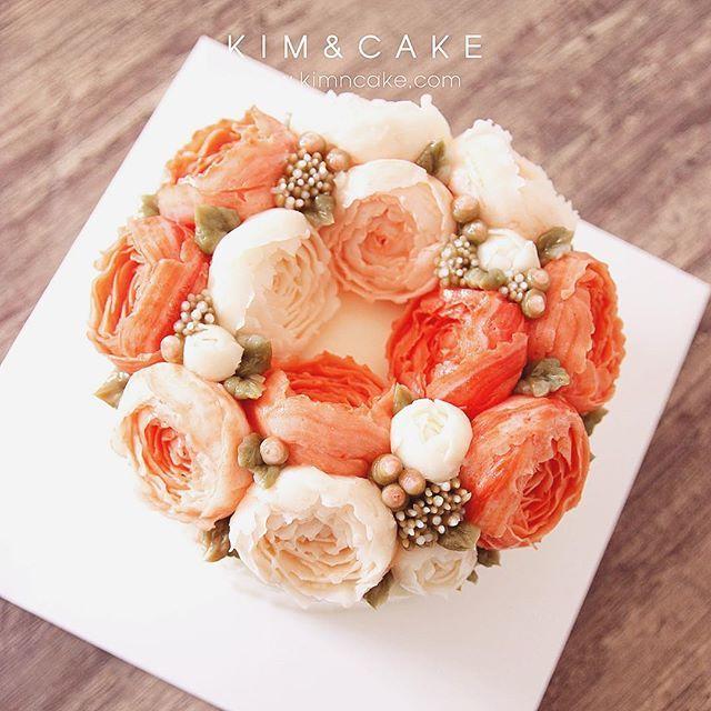 Peony🍄🍄🍄 #bakingclass#buttercream#cake#baking#수제케이크#weddingcake#버터크림케이크#꽃#flowers#buttercake#플라워케이크#wedding#버터크림플라워케이크#specialcake#birthdaycake#flower#장미#rose#디저트#케이크#cupcake#dessert#food#beautiful#부케#bouquet#instacake#꽃스타그램#flowercake#peony @yoon2222222