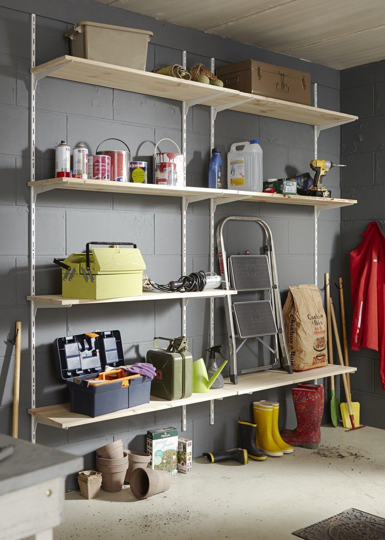 Amenager Des Etageres Dans Le Garage Garage Rangement Cave Amenagement Garage