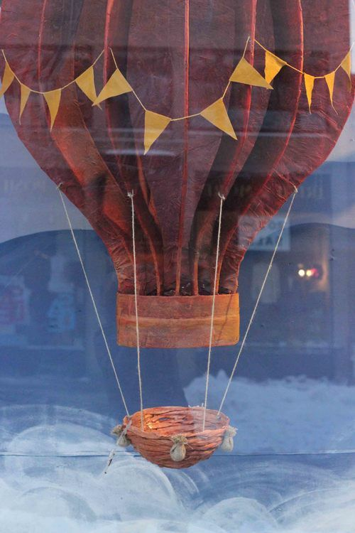 ANTHROPOLOGIE : HOT AIR BALLOON WINDOWS