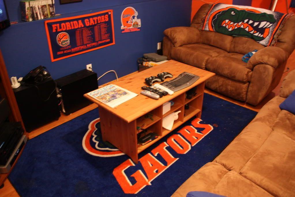Gator room bedroom decor pinterest room for Gator bedroom ideas