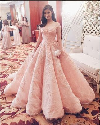 4b28c032988 Philippine Celebrities in Lovely Gowns  Liza Soberano at the Star Magic  Ball 2015