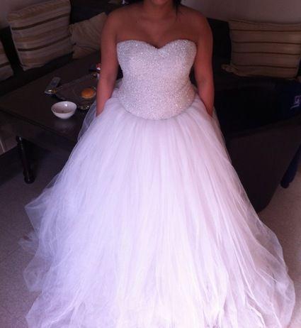 Robe De Mariée Princesse Faite En Turquie Avec Pierres Et